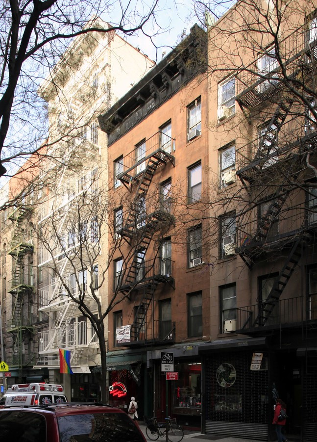 113 Christopher St New York NY  10014