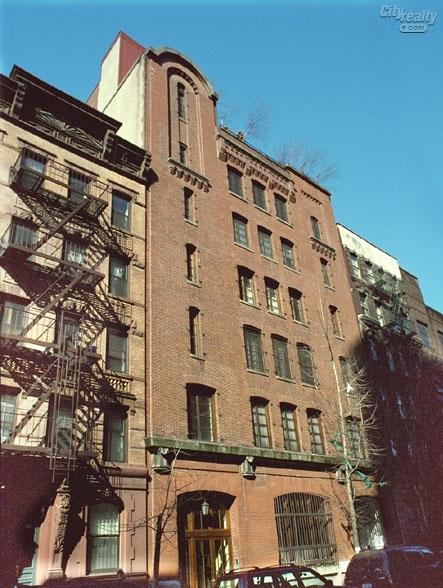 131 Perry St New York NY  10014