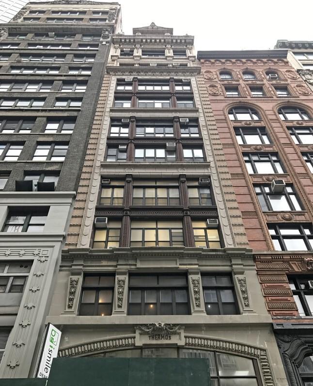 35 W 31st St New York NY  10001